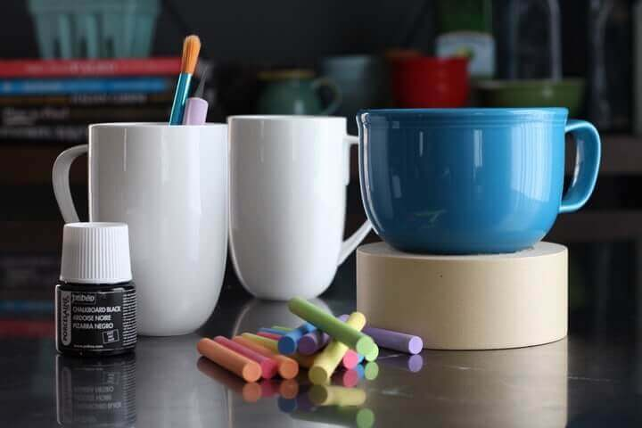 diy-chalkboard-mugs-001