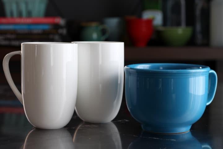 diy-chalkboard-mugs-3