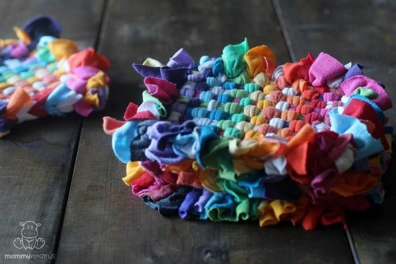 how to make recycled t shirt potholder 1