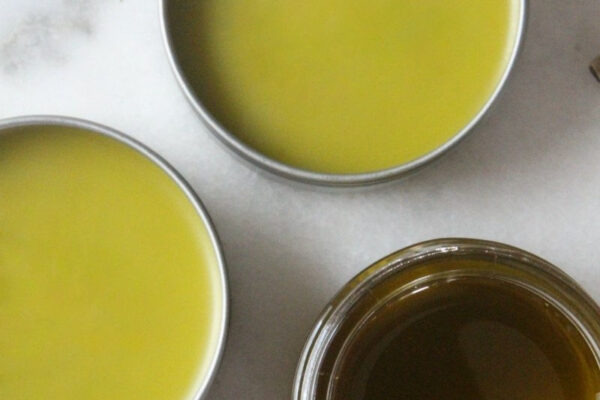How To Make Comfrey Oil And Salve